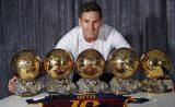 Barça: Messi a présenté son 5e Ballon d'Or au Camp Nou